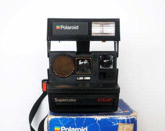 Vintage 1980's Polaroid Camera Supercolor 670 AF – Auto Focus Folding - 600 Series Film – Optional Flash – Made in UK