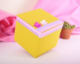 Box / cardboard box lined with fabric