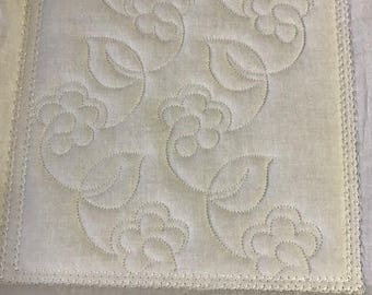 IN THE HOOP flower stippling machine embroidery download 5 diff sizes ( 8x8  7x7  6x6  5x5  4x4 )