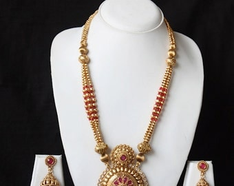 Antique Gold Finish Round Pendant Bridal Necklace Jhumka Earring Set / Traditional Indian Wedding Jewelry / Gift For Her /Bollywood Jewelry