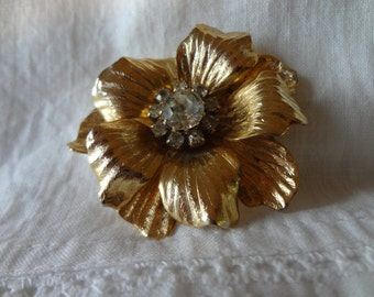 Brooch Floral Gold Tone Vintage Pin with Clear Rhinestone Center