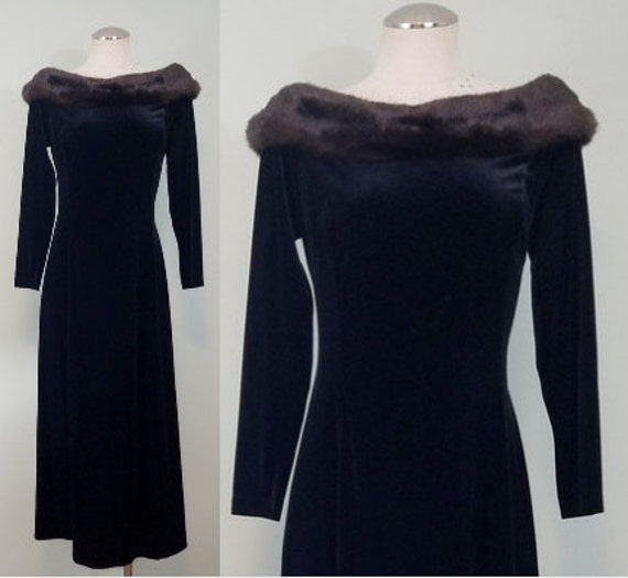 1990s Velvet Evening Gown / Faux Fur Off the Shoulder / Glam Grunge / Body Con Maxi Dress / Modern Size Large to Extra Large, Plus