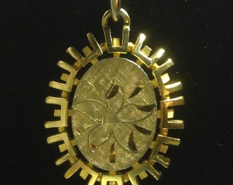 Vintage Gold toned metal etched floral pendant necklace