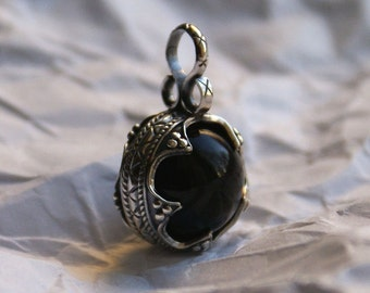 Ball pendant with black agate Gotland 10-12 century Sterling silver 925 Norway Viking jewelry Vikings necklace