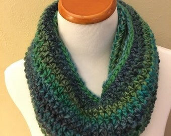 Cowl in Blues and Greens