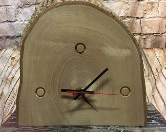 Tree ring mantle clock