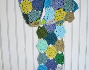Crochet Winter Flowers Scarf