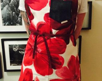 Ready to ship apron/woman / women apron / kitchen apron / kitchen apron / red flowers / red flowers / gift woman