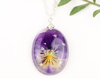 Real pansy necklace, Pebble necklace with pansy, Violet pendant, Transparent jewelry with plants, Purple pansy in resin