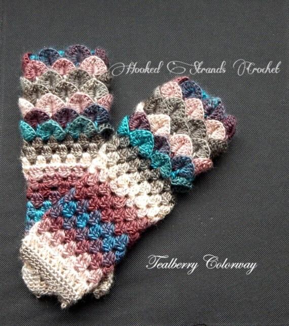 Crocheted dragon scale fingerless gloves, Dragon gloves, Crocodile stitch gloves, trendy, autumn, winter,hand warmers, mittens, wrist warmer