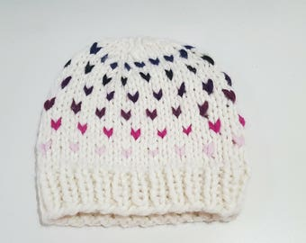 Knitted beanie in cream with colourful dots - Kids size / Young adult