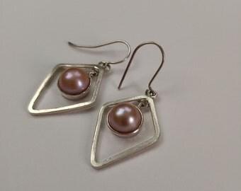 25% OFF Freshwater Pearl Earrings, Freshwater Pearls in sterling silver, handmade Freshwater Pearl Earrings, silver  V-shape earrings.