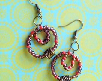 Dangling Earrings in Tin Circle