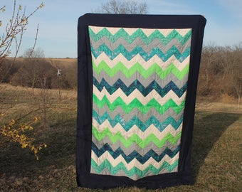 quilt/chevron/blue-green/cream/flourish/bedspread/quilted