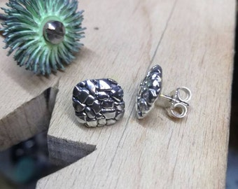 Square Rock earrings.