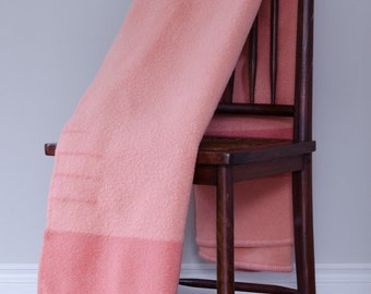 1960s Trapper Point Rose 3.5 Point Wool Blanket // Made in England