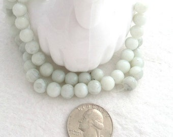 Strand of 8 mm Marble-look Glass Beads - White/Gray (1762)