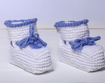 White baby booties Knitted baby booties Toddler booties Holiday gift Crochet baby booties Shower gift Newborn booties Hand knit gift
