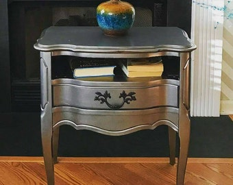 SOLD ! Vintage French Provincial Metallic Silver Accent/Side Table Nightstand