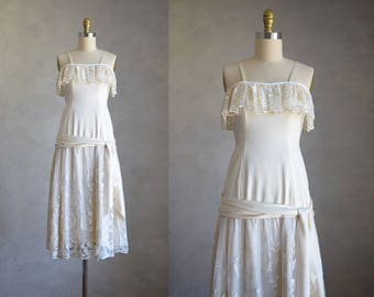 vintage cream flapper dress   1980s does 1920s drop waist dress    20s style ruffled party dress   sleveless lace and satin slip dress