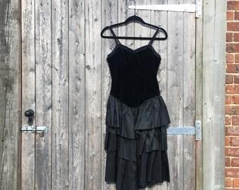 Black dress 80s electro