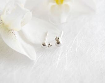 mini ball Stud Earrings in sterling silver, mini ear studs, small earrings for every day with beads, 3 mm Stud Earrings, wedding
