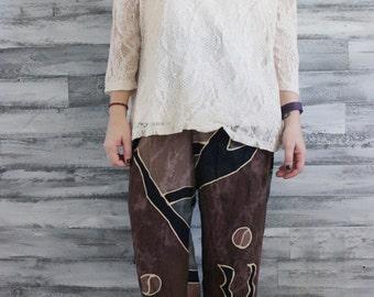 Cream Quarter-Sleeve Peek-Through Shirt with Sewn-In Camisole, M/L