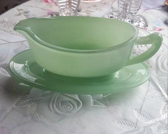 Light jade green Pyrex gravy boat and saucer retro dining