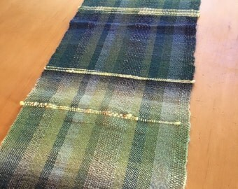 Moss- Hand woven table runner