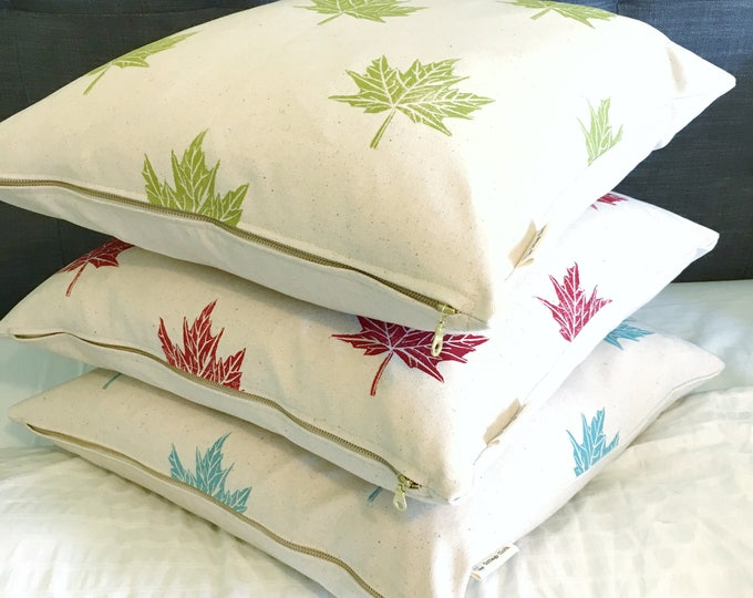 Organic cotton canvas pillow with maple leaves