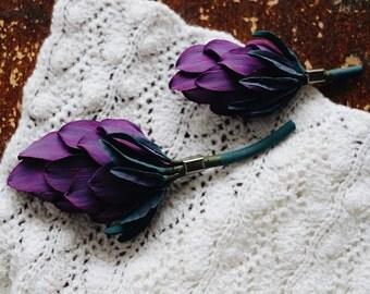 Artichoke brooch