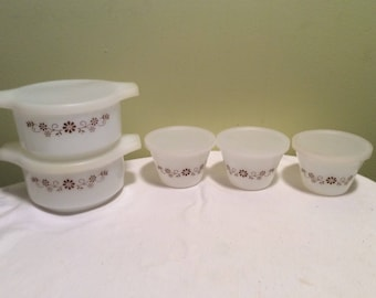 Vintage Dynaware Five piece Set Milk Glass with Briwn Flowers Custurd Cups Soup Casserole Dishes with Lids PyroRey Baking