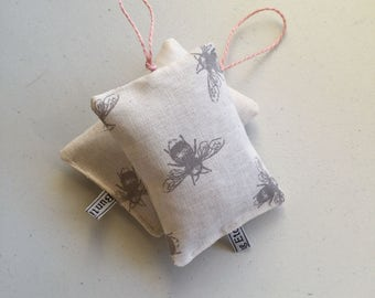 Bee hanging lavender pouch