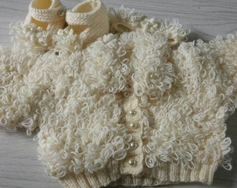 Gorgeous loopy baby set with cardigan, headband and booties