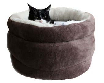 Cat bed, pet bed, small dog bed, cat basket, round cat kitten bed Chocolate Polar Bear, collor of chocolate, bruin and white cat bed