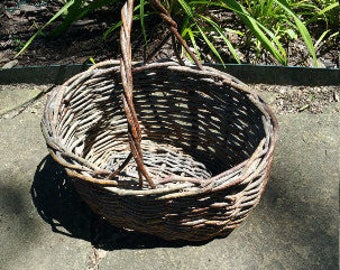 RUSTIC TWIG BASKET Vintage Gathering Basket w Handle Primitive Market Basket Country Farmhouse  Barn Wedding Woodland Florist