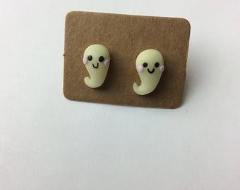 Ghost studed earrings , GLOWS in the dark!