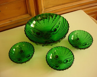 Large Anchor Hocking Emerald Green Oyster & Pearl Footed Burple Bowl and Three Matching Individual Bowls