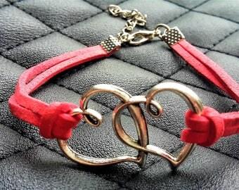 Double Heart Leather Bracelet. Model: 0009
