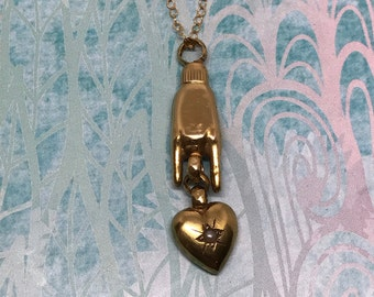Antique 9ct Victorian Horn Hand Pendant Nceklace with Dangleing Heart Charm / Mano Cornuto / Horned Hand