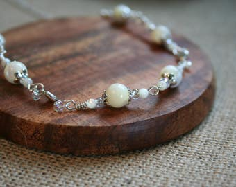 Mother of Pearl necklace with tiny hearts and shiny glass beads. Wedding jewellery, June birthday, bridesmaid, mother of the bride. Gift.
