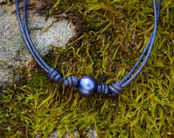Freshwater pearl and leather chocker