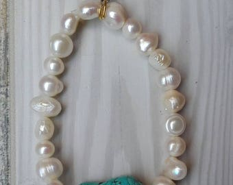 The Baroque turquoise and women's Pearl bracelet