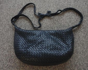 Vintage Woven Leather Handbag 15x9x3