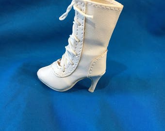 Ellowyne tyler mid calf lace up white boots