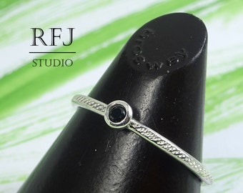 Dainty Textured Lab Black Diamond Silver Ring, Cubic Zirconia 2 mm Sterling Ring with Texture Black Diamond HandHammered 925 Silver Ring