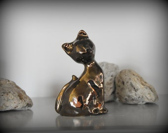 Hand made cat figurine-kitty-cat-ceramics-pottery-Glossy gold