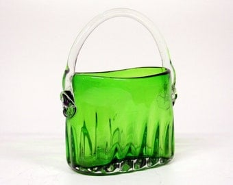 Green glass handle vase in the shape of a basket-Glass object-glass art
