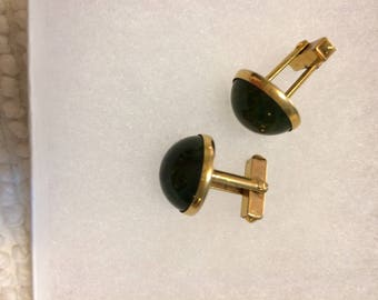 REduced 30%!! Vintage Swank dark green jade-tone round gold men's Christmas cufflinks