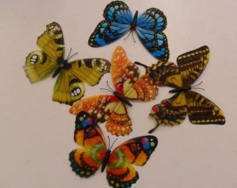 Lot of 20 Mini butterflies plastic loving